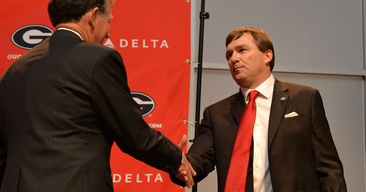 Georgia football-Kirby Smart thanks Georgia AD Greg McGarity for unwavering support of football-Georgia Bulldogs